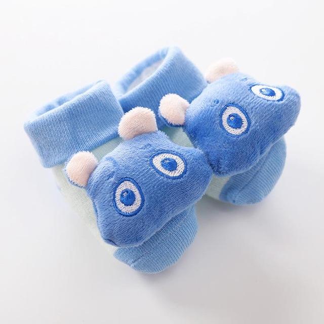 2020 nuevos calcetines de dibujos animados para beb antideslizantes calcetines con sonajero para reci n nacidos.jpg 640x640 3